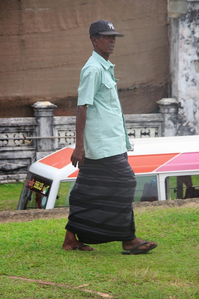 Развод туристов на Шри Ланке