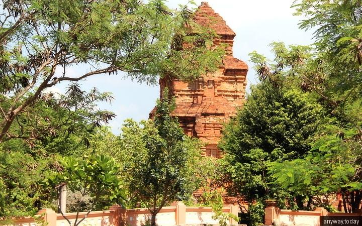 Башни Чамов, Муйне