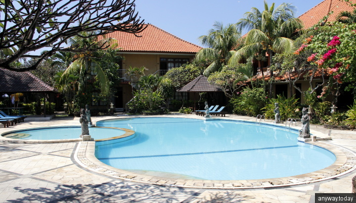 Бассейн Sari Segara Resort