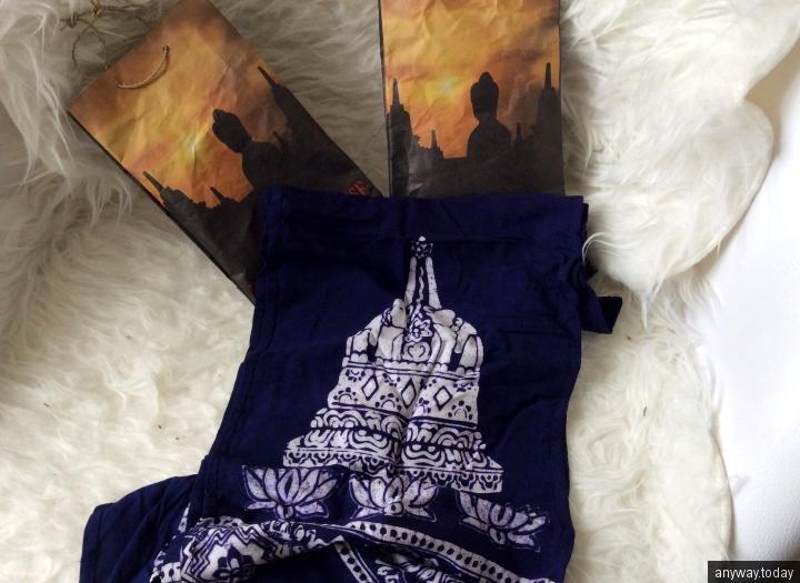 Сувениры прилагающиеся к билетам на рассвет на Боробудуре