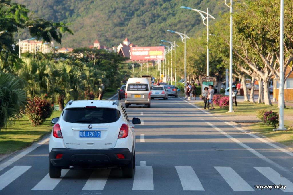 По дороге к бухте Ялуньвань